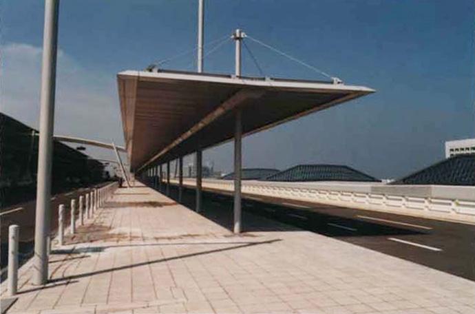 関西国際空港バスシェルター